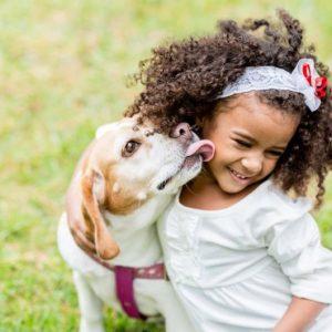 Los-beneficios-de-las-mascotas-para-los-niños-e1449312271718